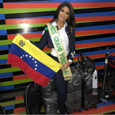 tulia aleman, 1st runner-up de miss grand international 2017. - Página 2 22157811