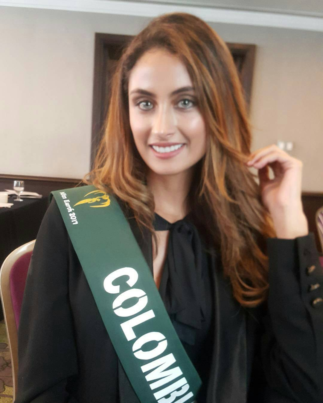 juliana franco, top 16 de miss colombia universo 2020/miss earth water 2017. - Página 4 22221410