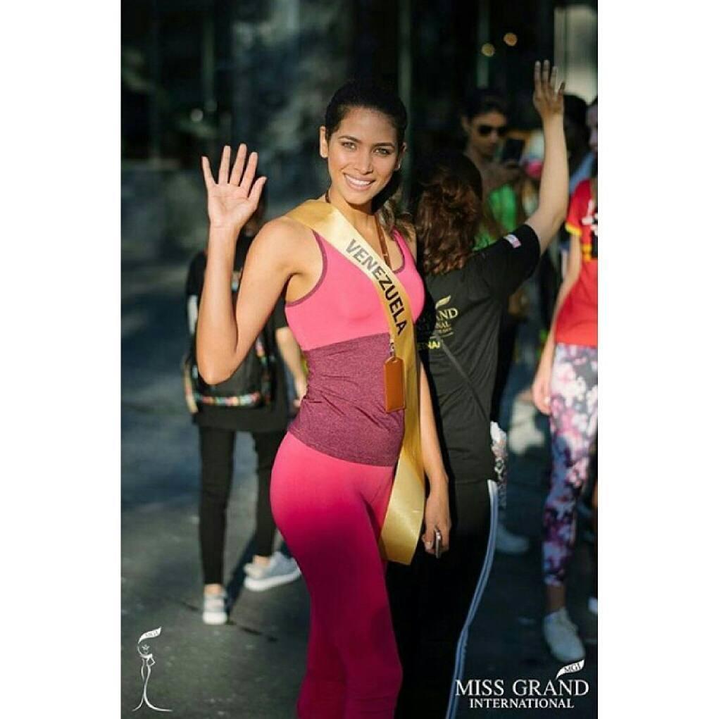 tulia aleman, 1st runner-up de miss grand international 2017. - Página 3 22221411