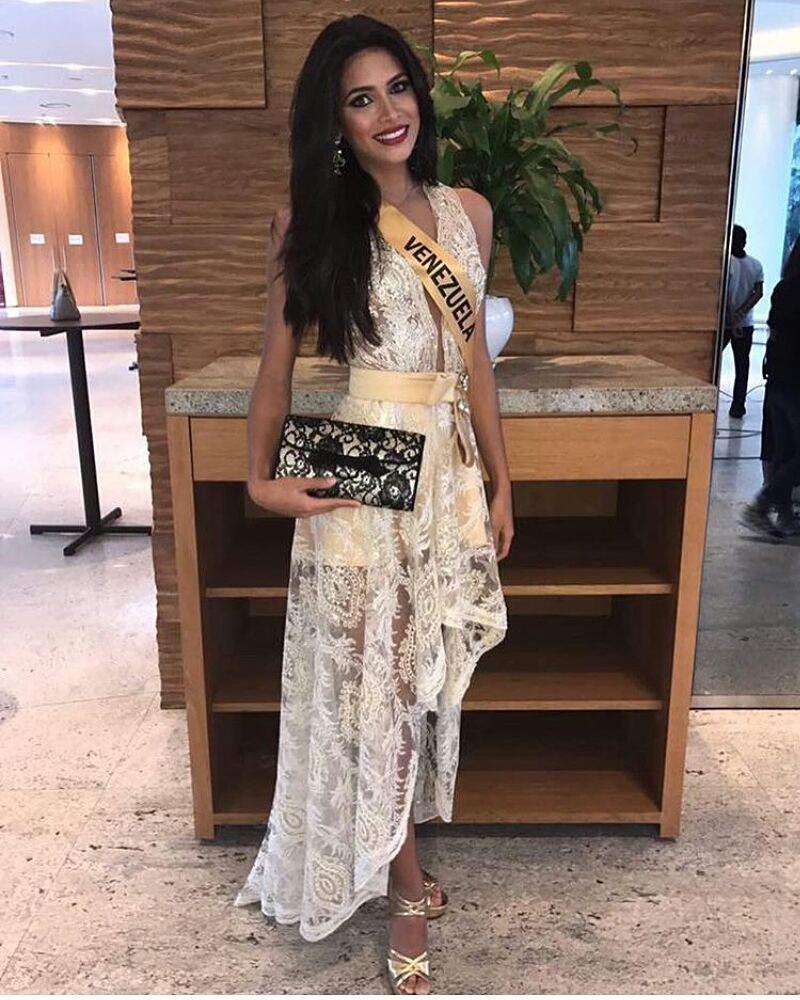 tulia aleman, 1st runner-up de miss grand international 2017. - Página 3 22277612