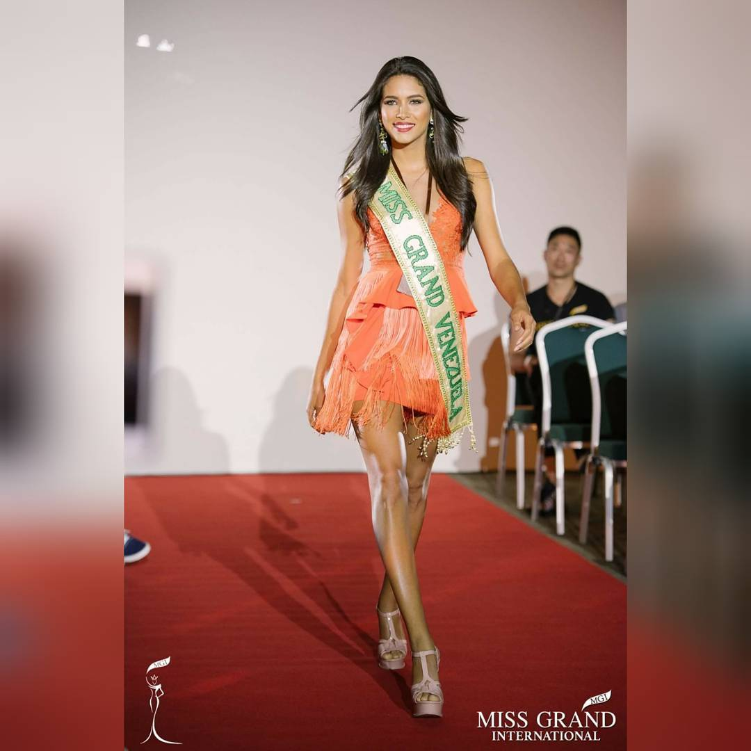 tulia aleman, 1st runner-up de miss grand international 2017. - Página 2 22280913