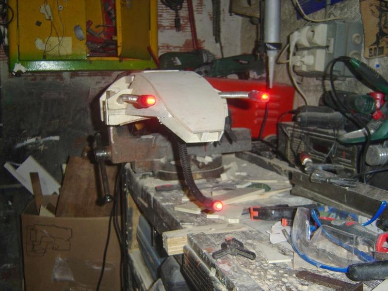fabrication etape par étape de mon droideka Droid108