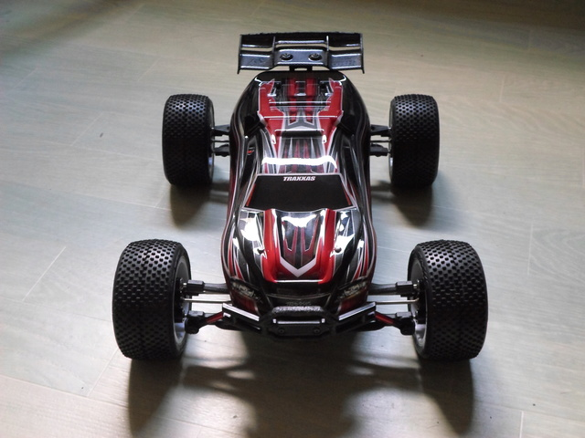 E-Revo's 1/16 Brushless 3S (380/540) - Page 21 Sam_1314