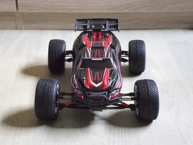 E-Revo's 1/16 Brushless 3S (380/540) - Page 21 Sam_1410