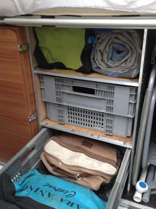Soute de nos fourgons, rangement, transport, vos témoignages et vos photos - Page 3 Img_0618