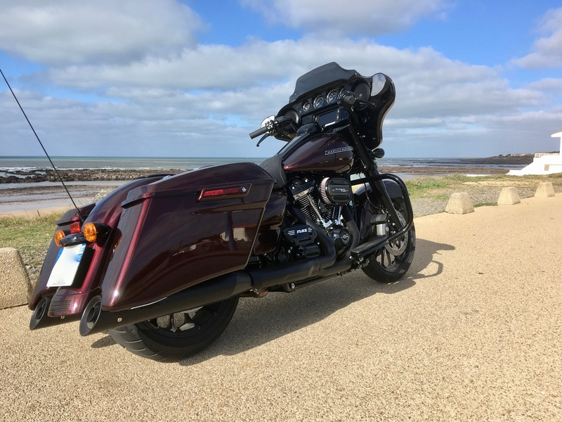 Street Glide 2018 VS Street Glide Special 2018 - Page 5 Img_0424