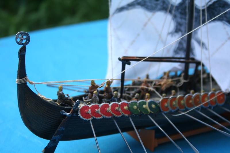 Un longship des hommes du nord au 1/72 e par JJ - Page 2 Img_1021