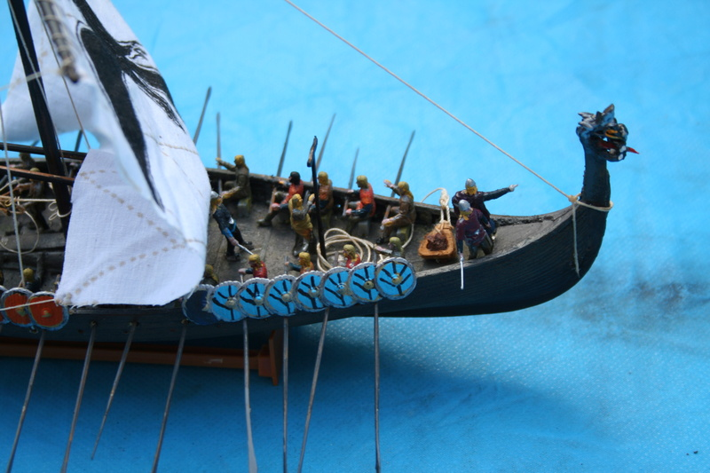 Un longship des hommes du nord au 1/72 e par JJ - Page 2 Img_1022
