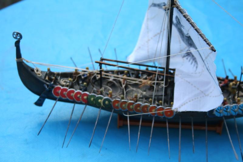 Un longship des hommes du nord au 1/72 e par JJ - Page 2 Img_1023