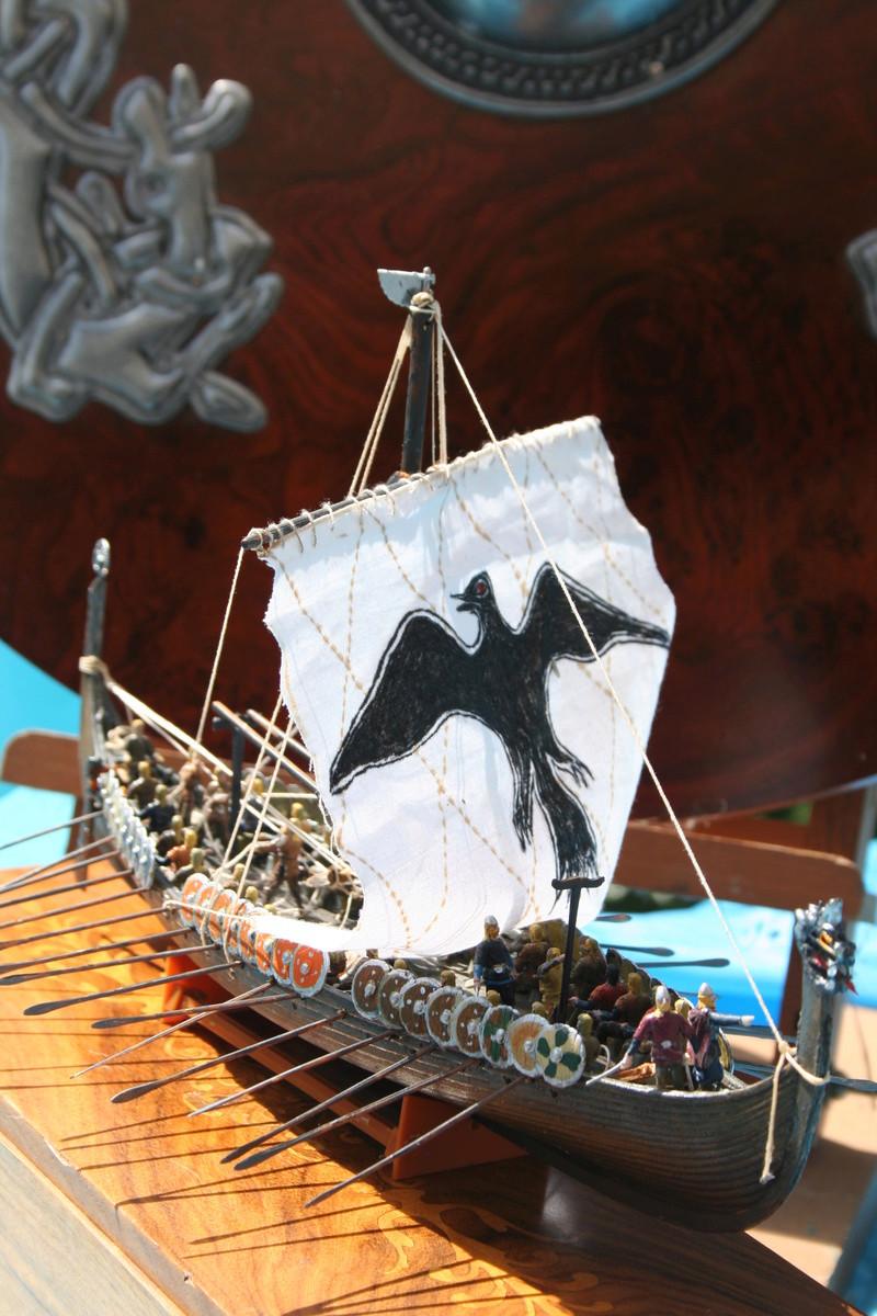 Un longship des hommes du nord au 1/72 e par JJ - Page 2 Img_1049