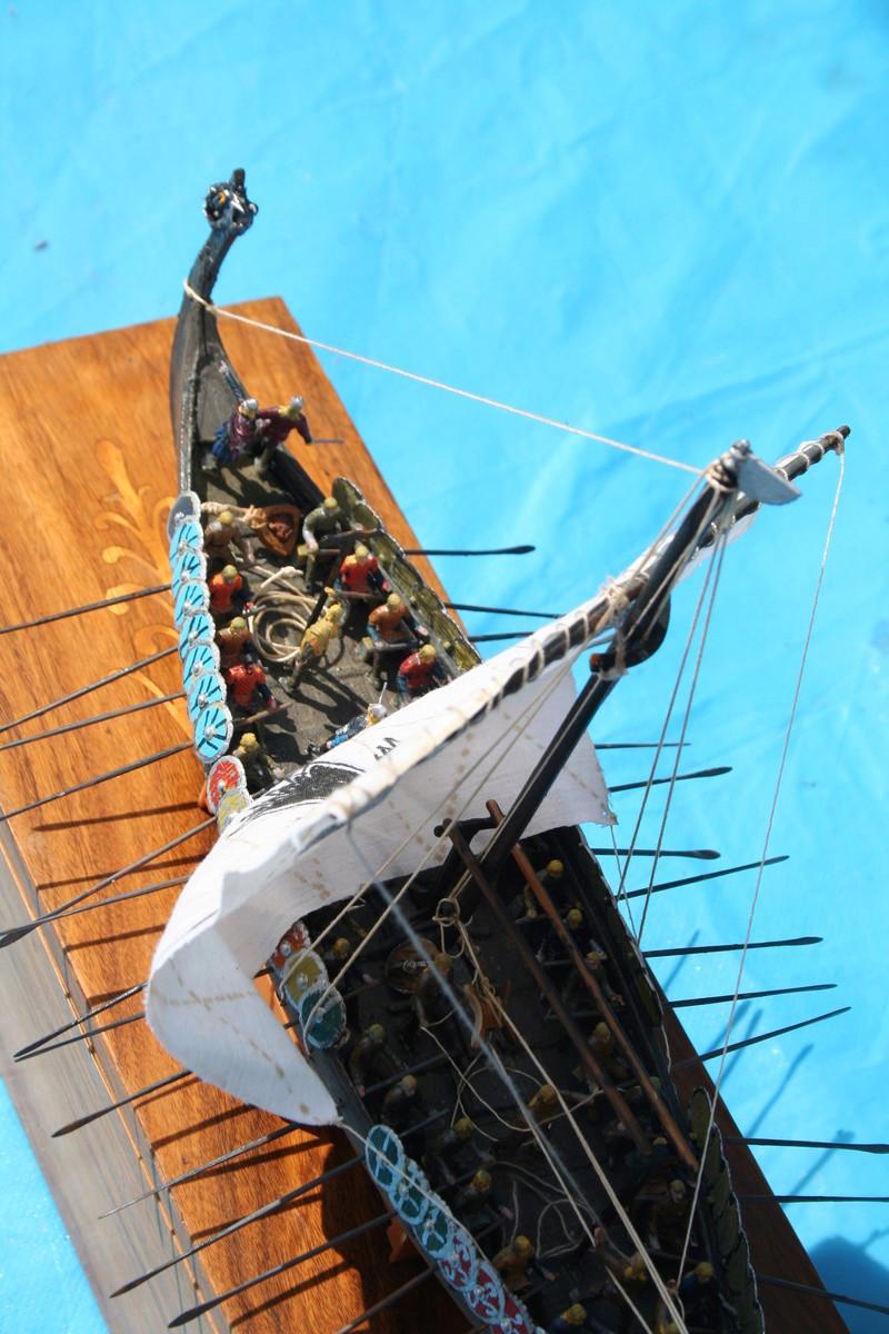 Un longship des hommes du nord au 1/72 e par JJ - Page 2 Img_1063