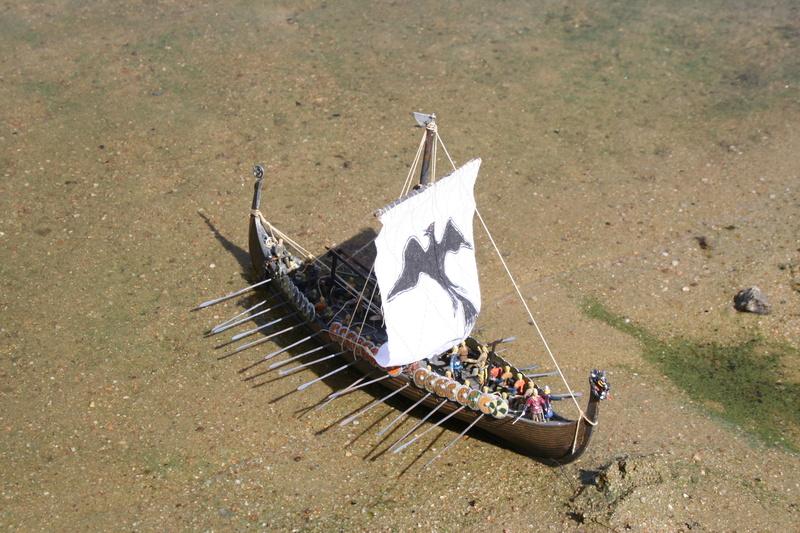 Un longship des hommes du nord au 1/72 e par JJ - Page 3 Img_1112