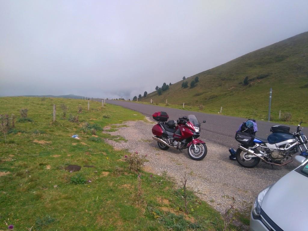 La route des cols: les Pyrénées d'Ouest en Est  - Page 2 Dsc_0081