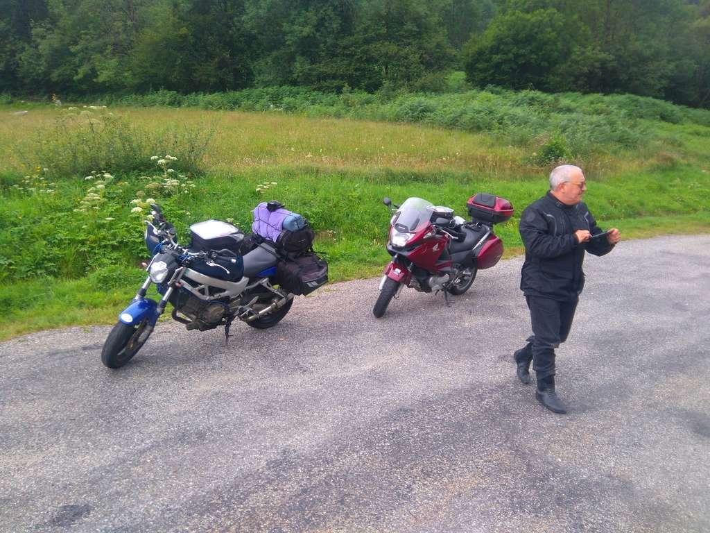 La route des cols: les Pyrénées d'Ouest en Est  - Page 2 Dsc_0082