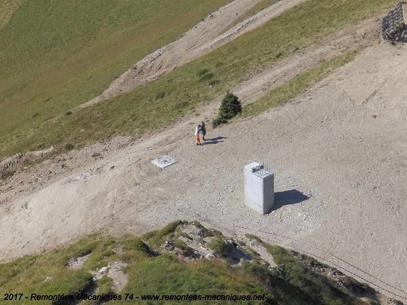 Construction télésiège débrayable 6 places (TSD6) de l'Épaule - Chantiers été 2017 001710