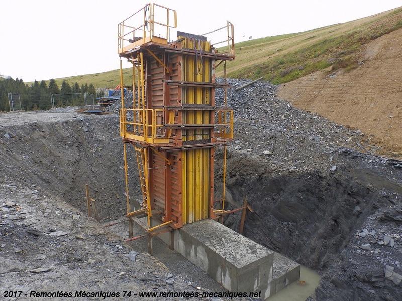 Construction télésiège débrayable 6 places (TSD6) de l'Épaule - Chantiers été 2017 003610