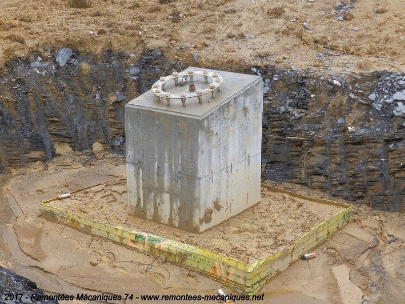 Construction télésiège débrayable 6 places (TSD6) de l'Épaule - Chantiers été 2017 003810