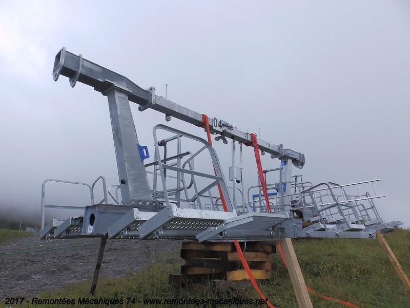 Construction télésiège débrayable 6 places (TSD6) de l'Épaule - Chantiers été 2017 004410