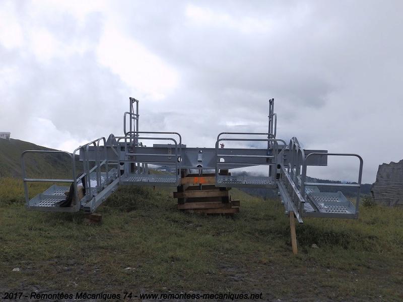 Construction télésiège débrayable 6 places (TSD6) de l'Épaule - Chantiers été 2017 004610