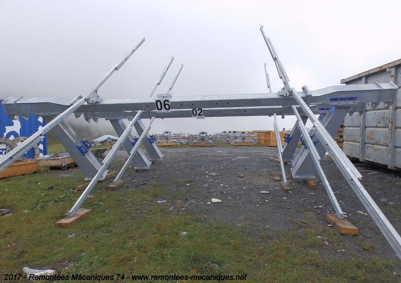 Construction télésiège débrayable 6 places (TSD6) de l'Épaule - Chantiers été 2017 005010