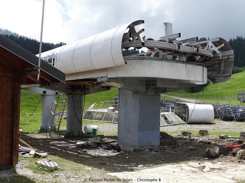 Construction du télésiège débrayable 6 places (TSD6) du Ranfoilly - Les Gets (Portes du Soleil) G1-110