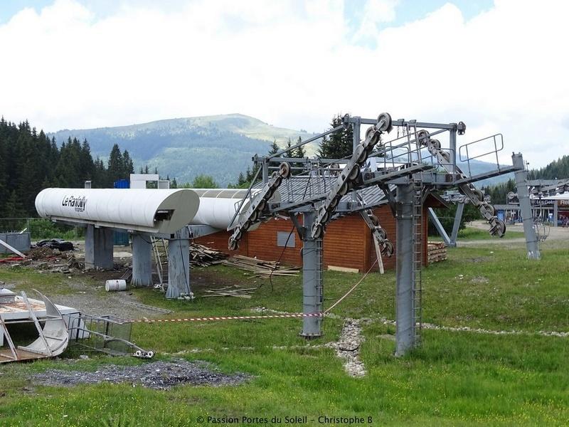 Construction du télésiège débrayable 6 places (TSD6) du Ranfoilly - Les Gets (Portes du Soleil) G1-310