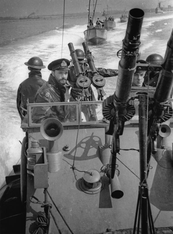 """Les """"destroyer suits""""  0e77d810"""