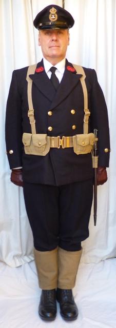 L'équipement en toile (webbing) de la RN : un Master at Arms de la RN 111