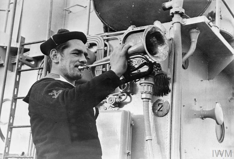 Excellentes photos FNFL de l'Imperial War Museum...bonnes idées de reconstitution à bord 210