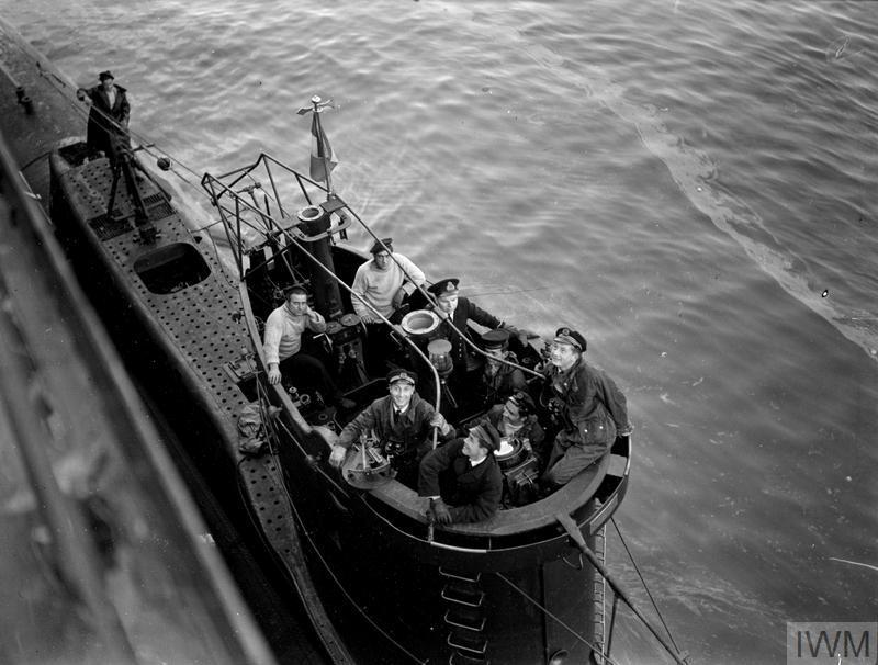 Excellentes photos FNFL de l'Imperial War Museum...bonnes idées de reconstitution à bord 311