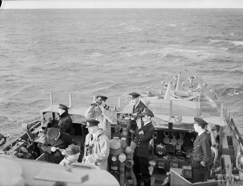 Excellentes photos FNFL de l'Imperial War Museum...bonnes idées de reconstitution à bord 611