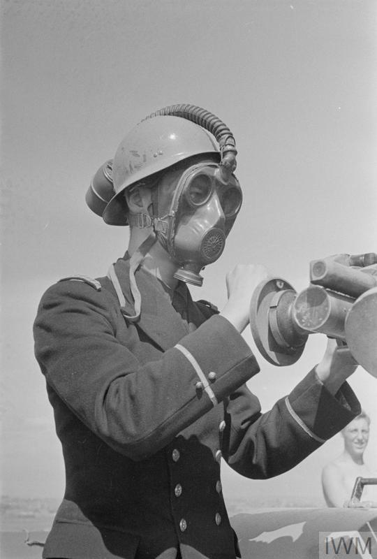 Excellentes photos FNFL de l'Imperial War Museum...bonnes idées de reconstitution à bord 911