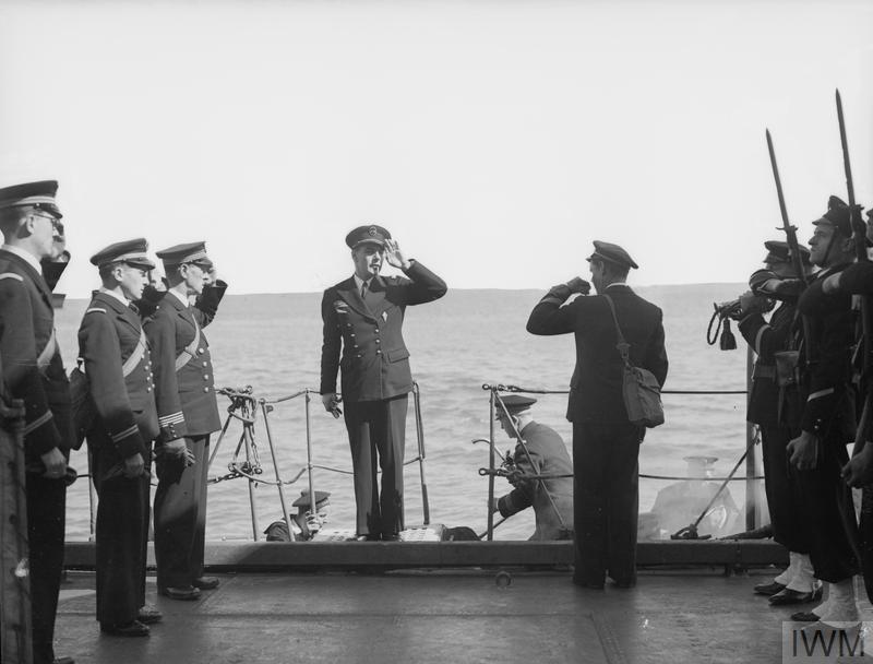 Excellentes photos FNFL de l'Imperial War Museum...bonnes idées de reconstitution à bord B10