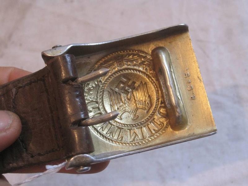 07201645f09e boucle de ceinturon troupe en aluminium anodisé doré de la KriegsMarine .  Dorure d origine ,Marquage fabricant RSS sur le derrière .