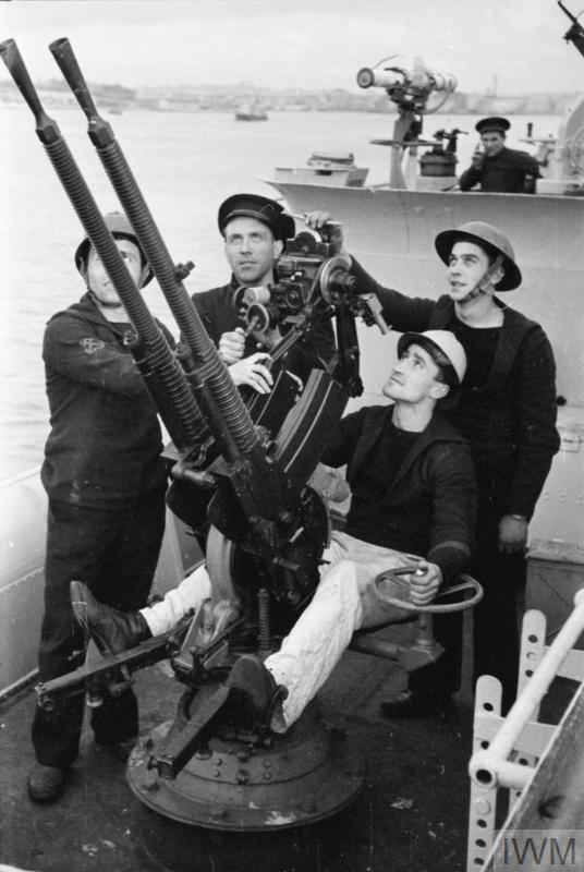 Excellentes photos FNFL de l'Imperial War Museum...bonnes idées de reconstitution à bord H10