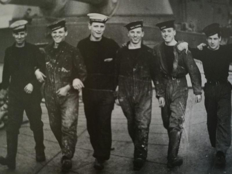 Les Mécanos de la Royal Navy ou stockers : les types Bleus de Chauffe Img_2016