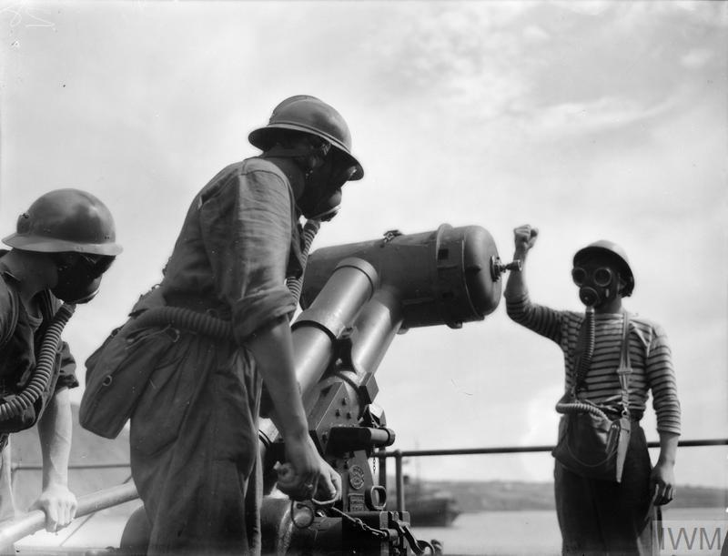 Excellentes photos FNFL de l'Imperial War Museum...bonnes idées de reconstitution à bord K10