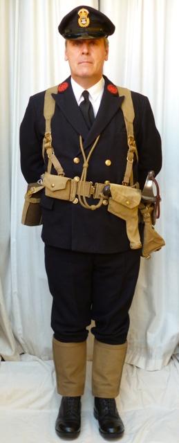 L'équipement en toile (webbing) de la RN : un Master at Arms de la RN Maa_ea10