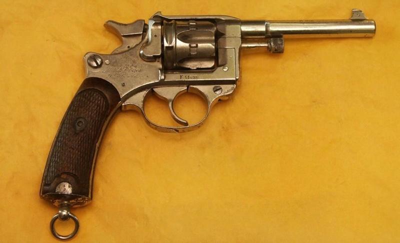 Le revolver Modele 1892 de Marine pour Officier St_eti11
