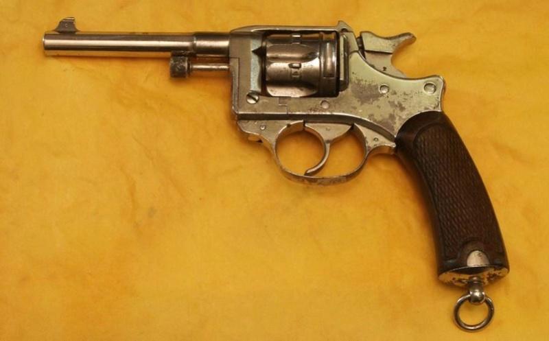 Le revolver Modele 1892 de Marine pour Officier St_eti14