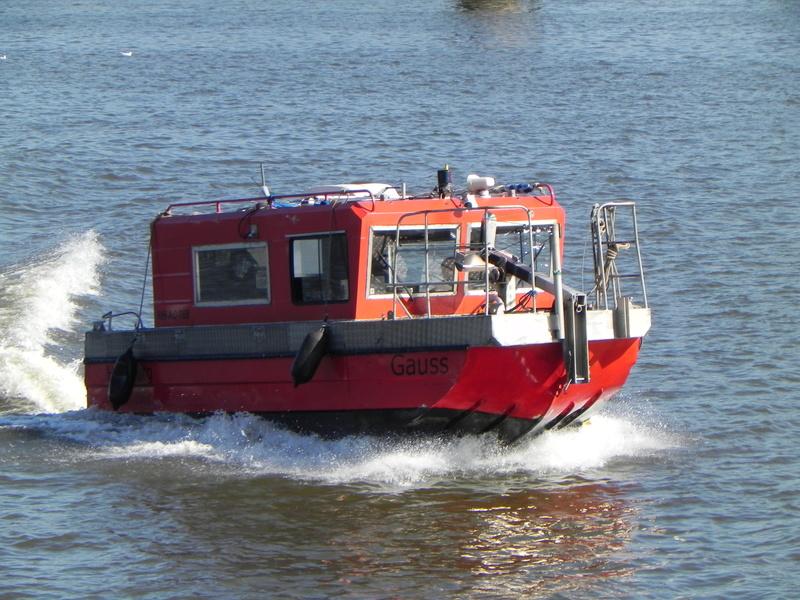 Schiffe auf der Elbe - Seite 2 Gauss310