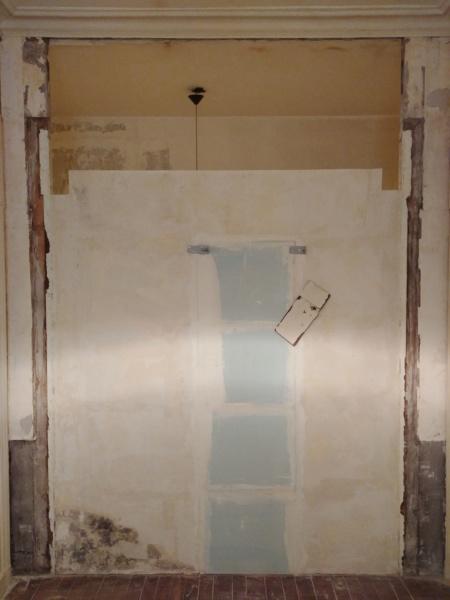 Pose d'un plancher de rangement au dessus de la salle de bain Ouvert10