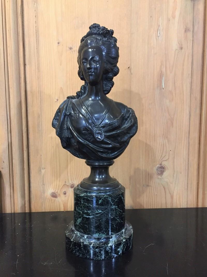 A vendre: bustes Marie Antoinette - Page 6 15052211
