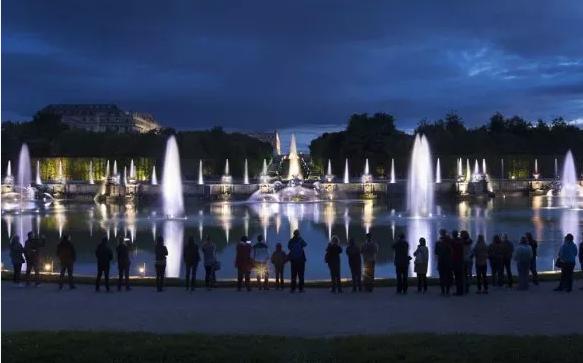 Restitution nocturne du domaine de Versailles Sans_t11