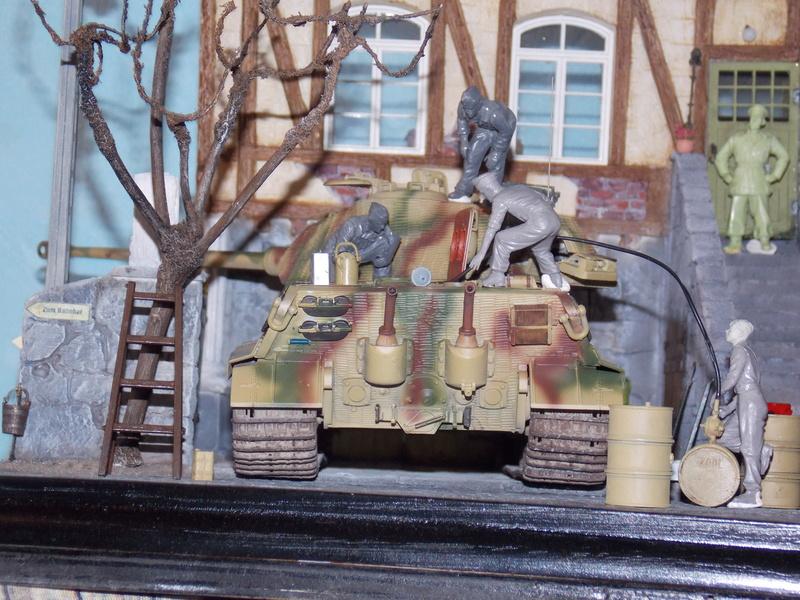 King Tiger à l'entretien Chateau de Chanteloup Aout 44       Projet terminé  - Page 4 Dscn5633