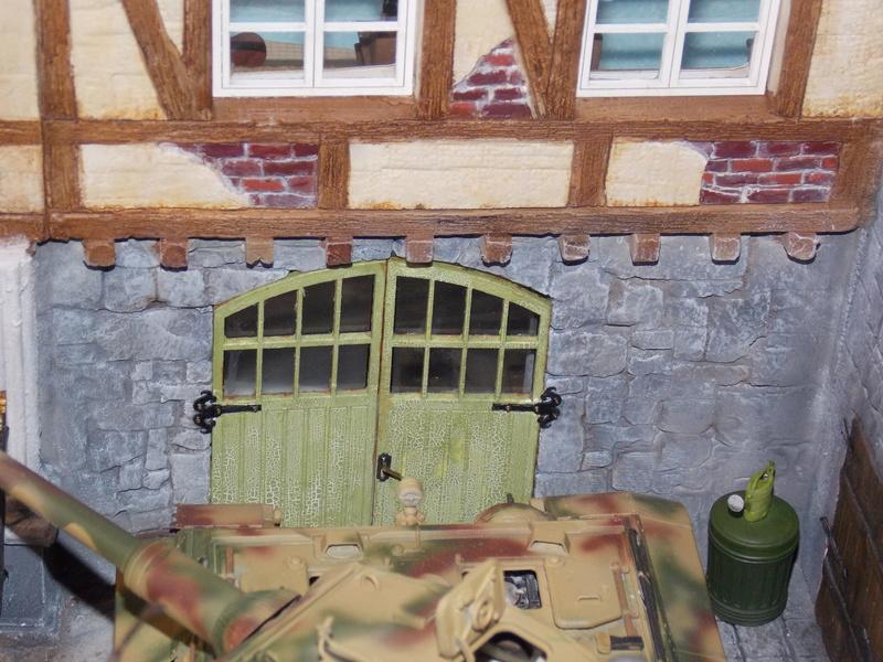 King Tiger à l'entretien Chateau de Chanteloup Aout 44       Projet terminé  - Page 4 Dscn5636