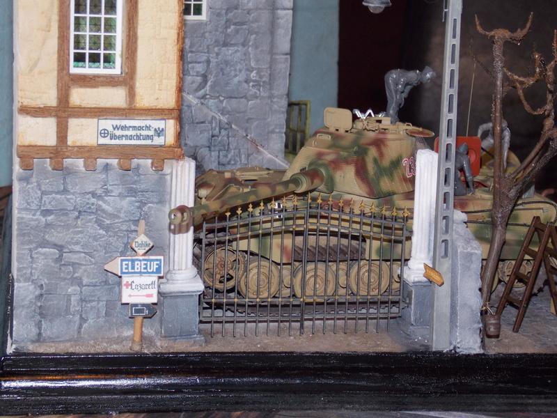 King Tiger à l'entretien Chateau de Chanteloup Aout 44       Projet terminé  - Page 4 Dscn5638