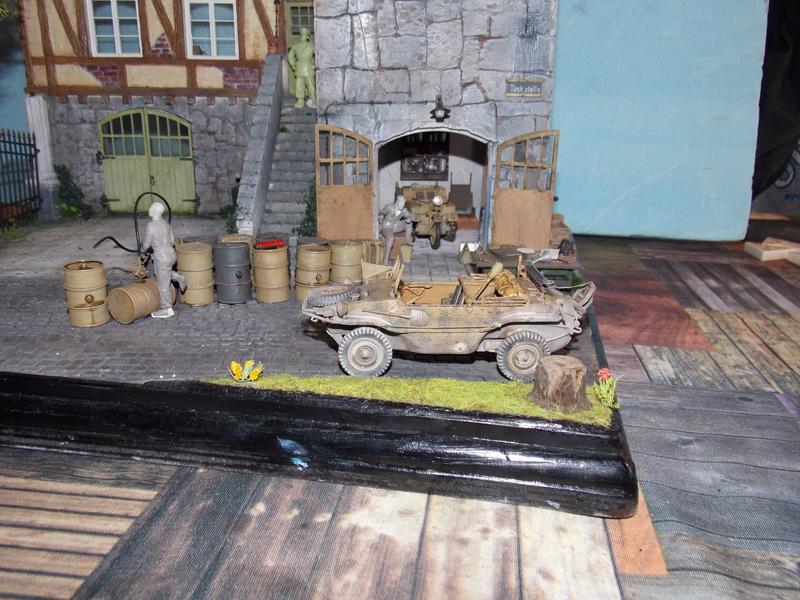 King Tiger à l'entretien Chateau de Chanteloup Aout 44       Projet terminé  - Page 5 Dscn5735