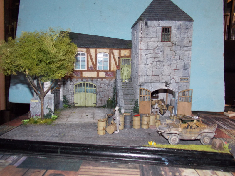 King Tiger à l'entretien Chateau de Chanteloup Aout 44       Projet terminé  - Page 5 Dscn5737