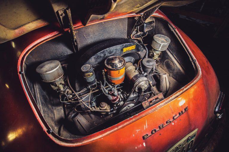 Photos de Porsche à restaurer - Page 10 Porsch12